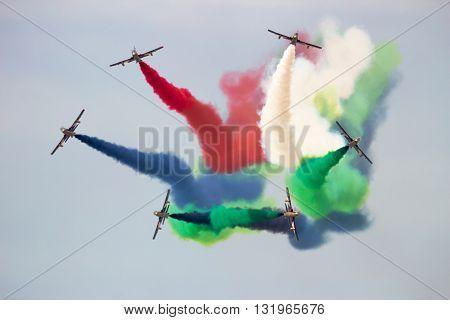 Uae Aerobatic Team Al Fursan (fursan Al Emarat)