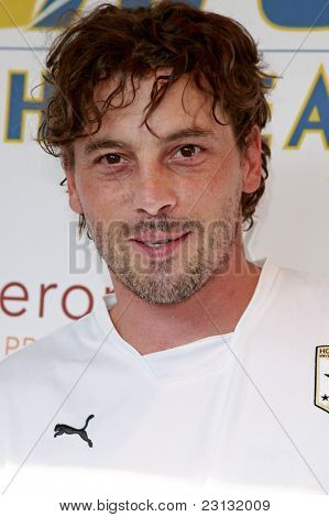 PASADENA - JULY 21: Skeet Ulrich at the World Football Challenge match between Chelsea FC and Inter Milan at the Rose Bowl in Pasadena, California on July 21, 2009