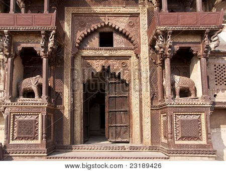 Monumental Beige Brown Front Entrance Of Jehanghir Mahal Palace In India's Orchha.