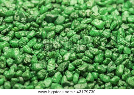 Pequeñas rocas verdes