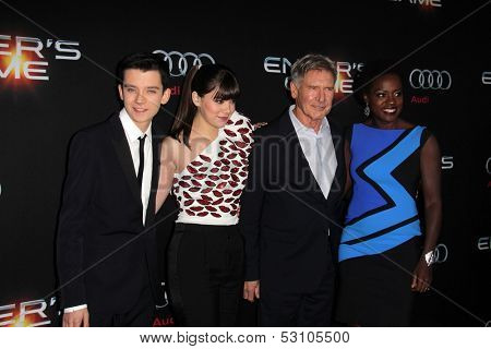 LOS ANGELES - OCT 28:  Asa Butterfield, Hailee Steinfeld, Harrison Ford, Viola Davis at the