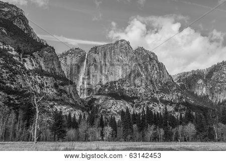 Yosemite Valley And Upper Yosemite Falls