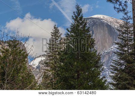 Half Dome - Yosemite and the clouds