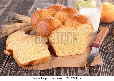 cake, brioche