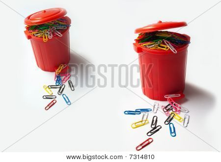 Clip dispenser
