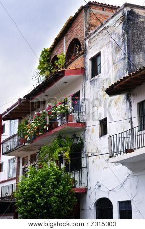 Viejo edificio en Puerto Vallarta, México