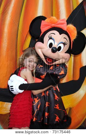 LOS ANGELES - OCT 1:  Kylie Rogers, Minnie Mouse at the VIP Disney Halloween Event at Disney Consumer Product Pop Up Store on October 1, 2014 in Glendale, CA