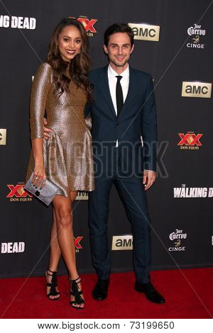 LOS ANGELES - OCT 2:  Amber Stevens, Andrew J. West at the