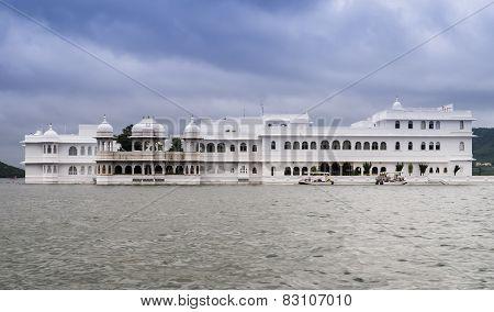 Lake Palace on lake Pichola, Udaipur, India