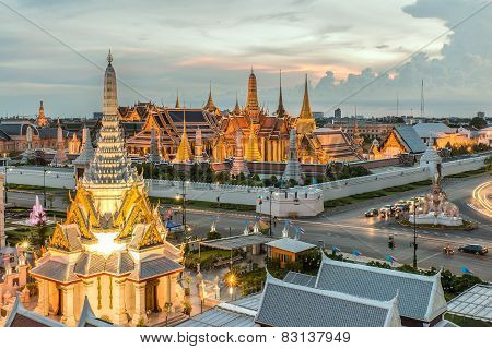 Bangkok City Pillars Shrine And Wat Phra Kaew