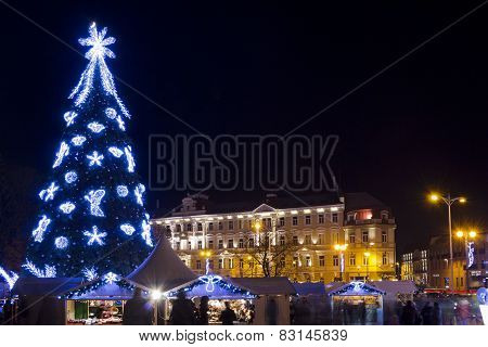 Christmas Night In Old Town
