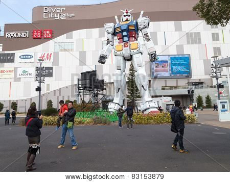 Giant Robot And People Walk