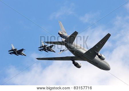 Rnlaf F-16's And Kc-10 Flyby