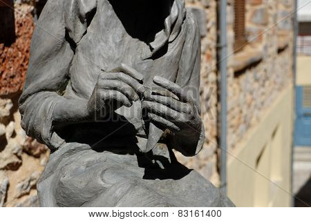 Knitter Monument To Crete Greece