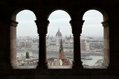 picture of neo  - Hungarian Parliament on the embankment of the Danube seen from the neo - JPG