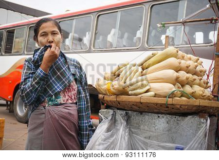 Burmese Women Selling Foods At Bogyoke Market