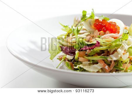 Mix Salad with Salmon and Quail Eggs