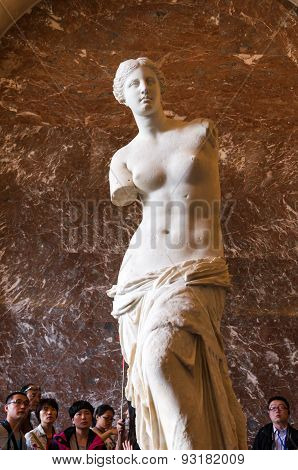 Paris, France - May 13, 2015: The Venus De Milo Statue At The Louvre Museum In Paris.