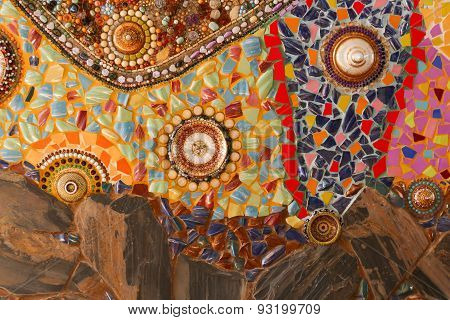 The Colorful Broken Tile, Dish, Lid, Bead And Stone Decorating On Temple Wall