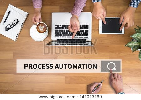 PROCESS AUTOMATION man and hand computer to