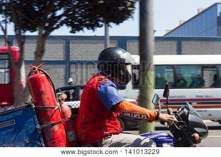 Dangerous Job In Peru