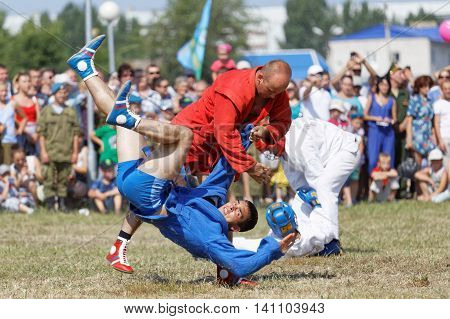 Ulyanovsk Russia - July 31 2016: Airborne soldiers demonstrate mastery of martial arts sambo during the celebration of the Airborne Forces