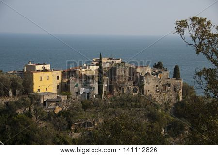 This photo represents a view of the old town of Varigotti with a wonderful sea view.