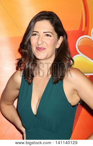 LOS ANGELES - AUG 2:  DArcy Carden at the NBCUniversal TCA Summer 2016 Press Tour at the Beverly Hilton Hotel on August 2, 2016 in Beverly Hills, CA