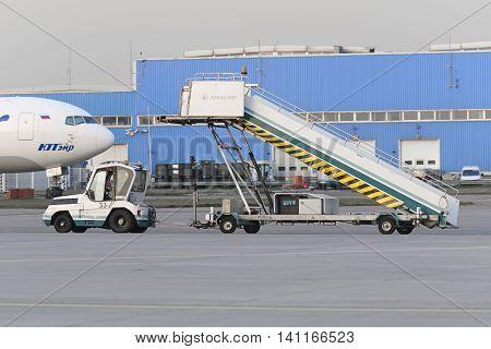 Truck Transports Aircraft Gangway