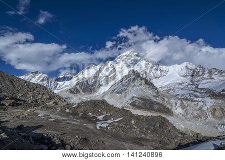 Everest Base Camp Trekking: stunning view of Mt. Everest range.