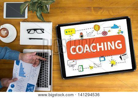 Coaching   (coaching Guide Instructor Leader)