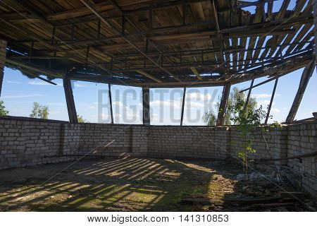 Round windows in an abandoned complex, Lost place