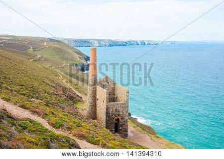Cornwall tin mine ruins reminder of historic past on coast