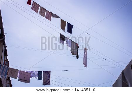 High overhead to dry the laundry on the clothesline