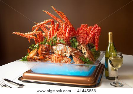 Summer Crab Feast dinner buffet to enjoy Alaska king crab legs and Canadian snow crab legs with a variety of creative crab dishes