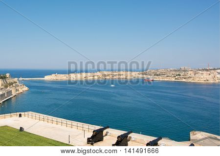 Cannons in Valletta's Saluting Battery, ready to fire!