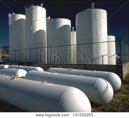 Large propane and natural gas storage facility