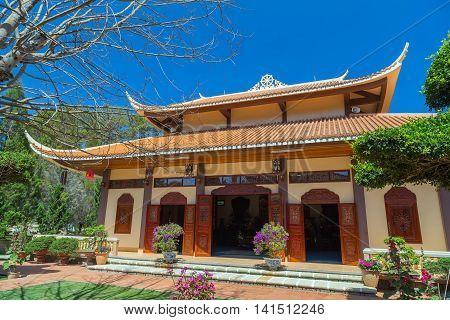 Exterior Thien Vien Truc Lam Monastery.