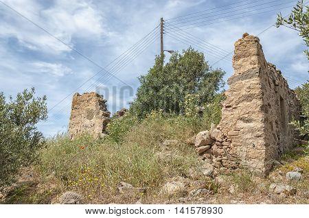 A house ruin near to the town of Makrigialos on Crete.
