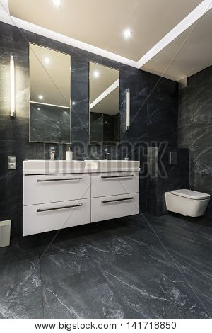 Black Bathroom For Two Idea