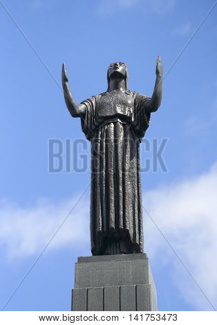PORT SUNLIGHT, ENGLAND, JUNE 29. The Leverhulme Memorial on June 29, 2016, in Port Sunlight, England. The top of the Leverhulme Memorial obelisk with a bronze female representing Inspiration in Port Sunlight England.