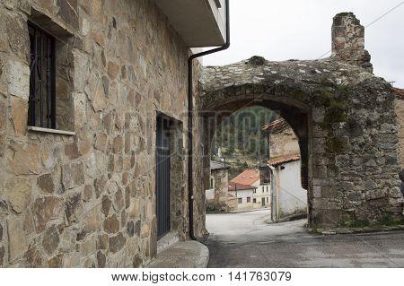Entrance to San Leonardo de Yague in Soria
