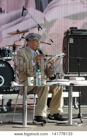 MOSCOW - JUNE 03, 2016: Famous Russian poet, writer Evgeny Evtushenko reads his poetry publicly on the Red Square in Moscow.