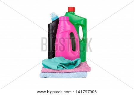 Cleaning Detergent Bottles With Towels