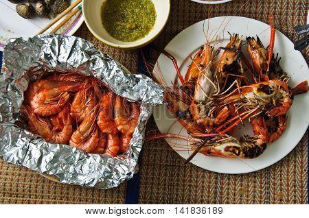 Grilled shrimp and boil shrimp seafood sauce