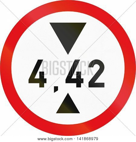 Road Sign Used In The African Country Of Botswana - Vehicles Exceeding 4.42 Metres In Height Prohibi