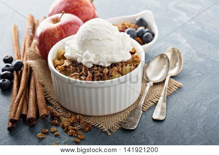Apple crisp with vanilla ice cream - homemade fall dessert
