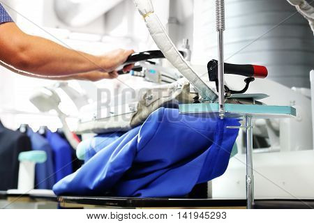 The steam generator. Clothing industry. Ironing steam.