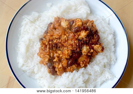 Mexican Chilli con carne served with fluffy rice