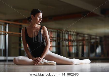 Ballerina in class
